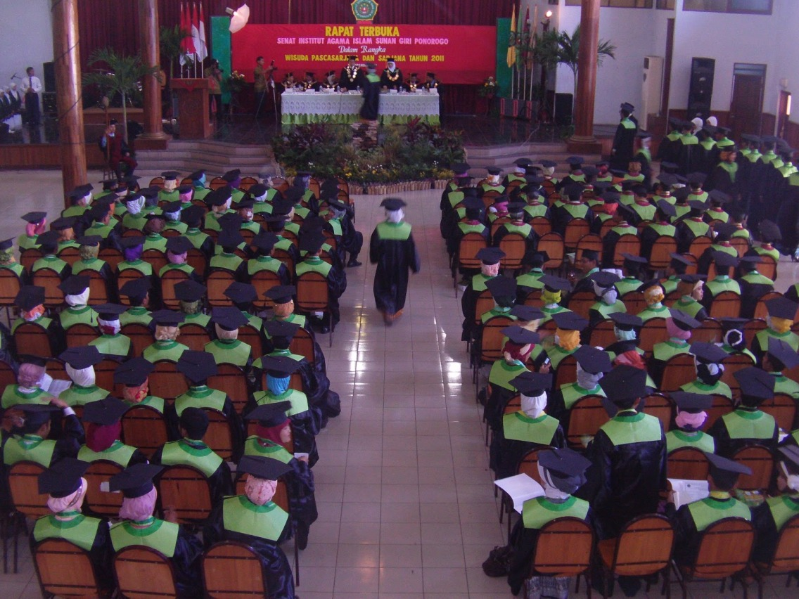 Selamat dan Sukses Wisuda INSURI Ponorogo 2016
