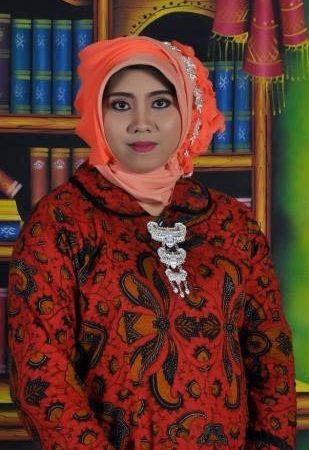 Ari Purwandari,Amd